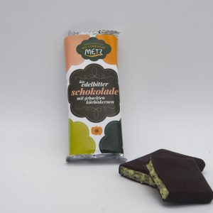 Edelbitterschokolade mit Kürbiskernen
